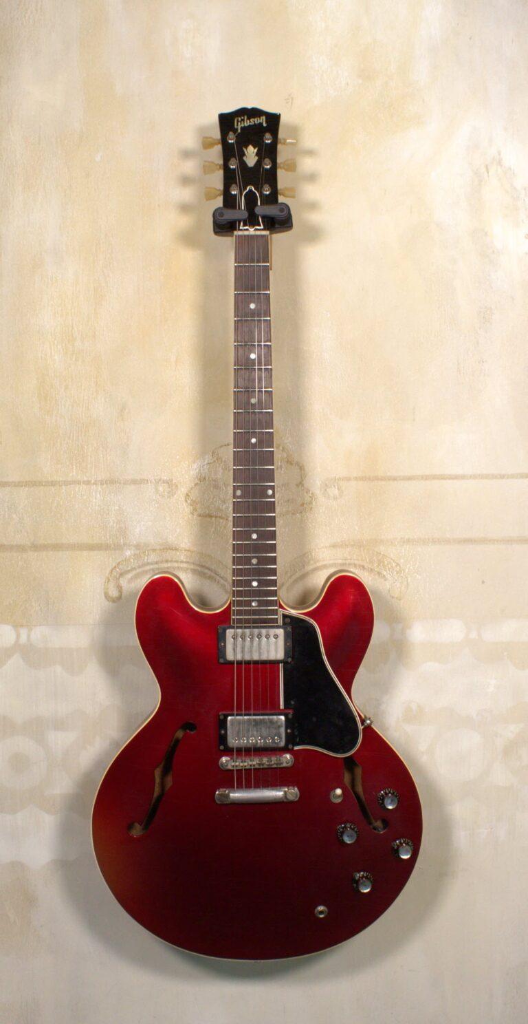 Gibson ES-335 1962 Refin Sparkling Burgundy